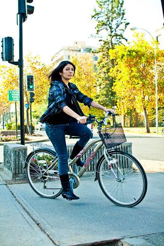 Botas y bicicleta
