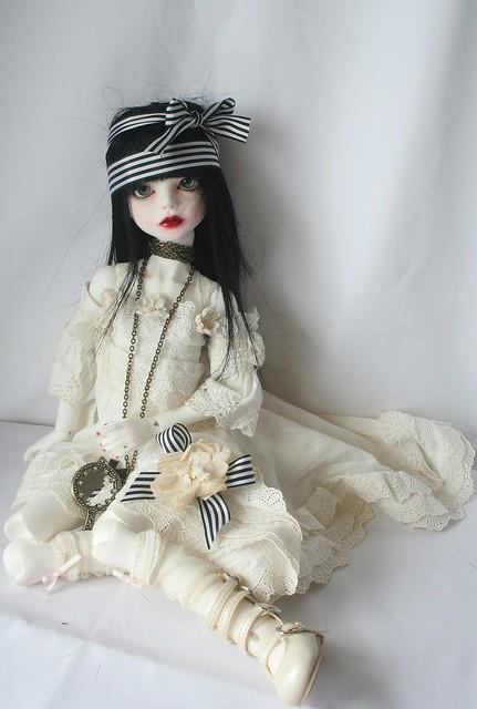 [dust of dolls püns] Eloïse, et le parfum des roses p.32 5128344131_5fbbb8ac58_z
