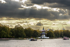 Battersea Park (Hadi Photography) Tags: park city uk trees light england sky sun london art nature water river photography pagoda chelsea britain chinese arts  battersea safa hadi            flickraward   kadhim    safakadhim hadiphotographyart hadiphotographyarts hadiphotographyandart    safaphotography safaphotographyandart safaphotographyart safaphotographyarts