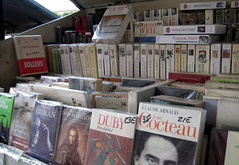 Paris - Latin Quarter: Les Bouquinistes (wallyg) Tags: paris france europe books streetvendor latinquarter bookstall quartierlatin lesbouquinistes bouquinestes riversidevendor