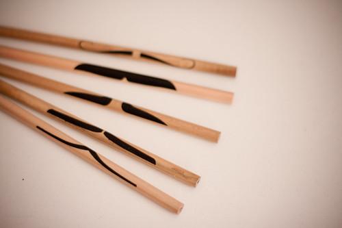 Crayons moustache