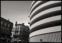 Urban critters (Laurent Filoche) Tags: street france nikon toulouse parkour yamakasi bonzography abigfave streetportfolio parkourportfolio