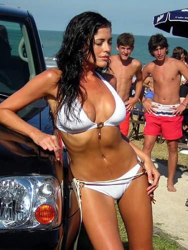 Mujer en bikini espectacuarl