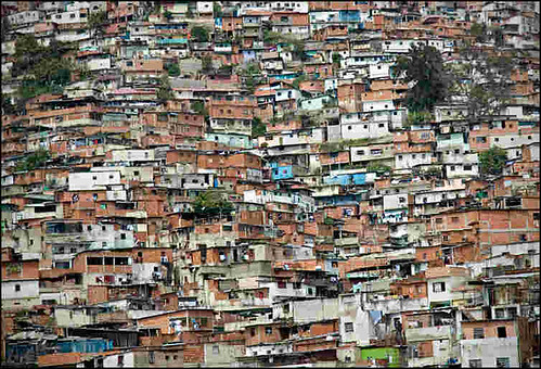 Resultado de imagem para favelas caracas venezuela