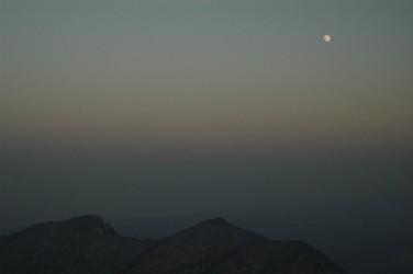 甲ヶ山、矢筈ヶ山と満月