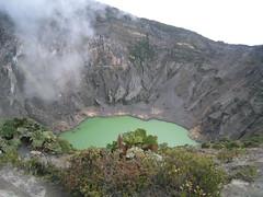 Vulcan Irazu, Crater