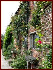 Gott ist treu / My Lord is faithful (amras_de) Tags: uk england castle garden sissinghurst kent gb nationaltrust garten sackvillewest blueribbonwinner flickrdiamond virginiawoolfe grosbritannien arethesebuildings
