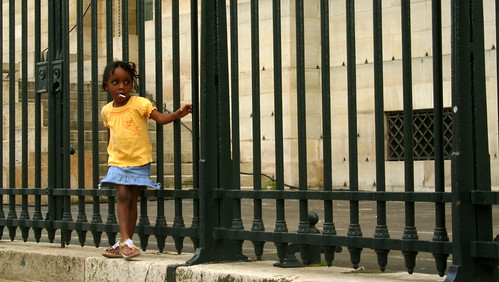 Little girl in front of the pantheon