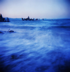 mono lake, 120 seconds - or, the blue lake of fire (manyfires) Tags: california blue lake motion water mono pinhole really monolake tufa zero2000 zeroimage palabra tagsarethenewmessage