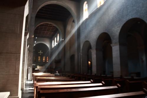 Abbaye de Clervaux -- luxembourg light travel europe clervaux abbaye europa ville sigabbaye eglise jesus lumière