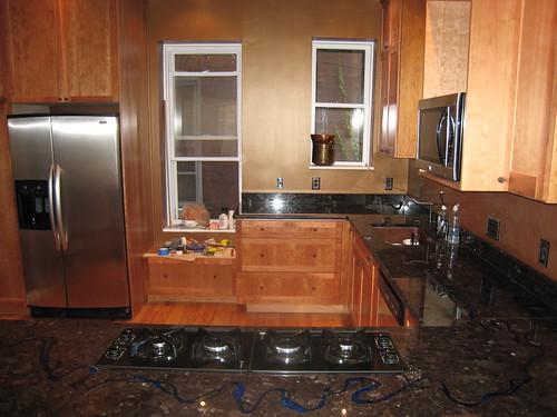 Дизайн кухни. Идея с рекой в кухонном столе