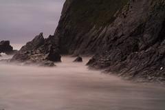 SUMMER TIDE II (cutangus) Tags: longexposure costa beach coast dusk tide asturias playa amanecer nd plage luarca rocas marea largaexposicin otur