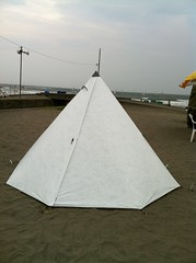 """Apollo Tyvek on the beach at Kamakura • <a style=""""font-size:0.8em;"""" href=""""http://www.flickr.com/photos/40286809@N02/5122682607/"""" target=""""_blank"""">View on Flickr</a>"""