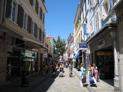 shopping a gibraltar
