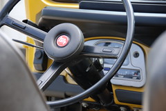 FJ40 Steering Wheel (t i g) Tags: wheel yellow steering 4x4 toyota mustard restoration 1978 fj landcruiser 78 mustardyellow kindel toyotalandcruiser fj40 fjcruiser photo365 uglina photo365kindel