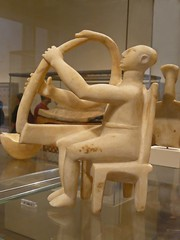 Another view of the marble seated harp player Early Cycladic I-Early Cycladic II 2800-2700 BCE - by mharrsch