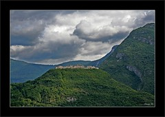 castle on a hill | castel beseno (milleluce.com) Tags: italy green castle hills explore trento breathtaking castel thisisart lifeshot giang naturesfinest exemplary beseno beautifulcapture flickrfavoritephotographers aplusphoto amazingshots amazingamateur theunforgettablepictures colourartaward flickrextraordinary superamazingshots theperfectphotographer giangle astoundingimages giangleorg