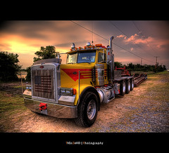W12 American Truck - Ready to ride US (Feo David) Tags: pink sky usa monster rose clouds america truck canon eos us ride unitedstates flag wheels ciel camion american 5d drapeau pneus etatsunis americain roues