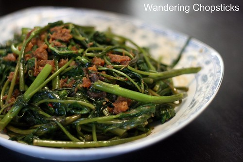 Kangkong Belacan (Malaysian Stir-Fried Water Spinach with Shrimp Paste) 2