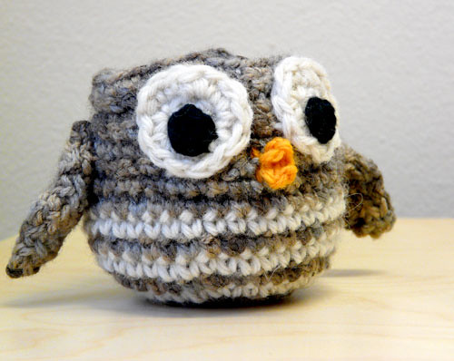 Baby owl apple cosy