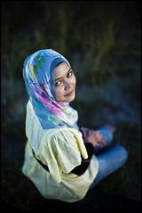 Nana. (Kupih) Tags: beach lady digital evening women bokeh muslim hijab rangefinder malaysia nana swirl potrait manualfocus terengganu wideopen tudung kualaterengganu jilbab chendering bokehlicous kupih leicam9 10 hafizahmadmokhtar leicanoctiluxm50mm10