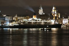 The QE2 visits the Mersey (The Wirral Bells) Tags: skyline night liverpool boat fuji explore finepix fujifilm 2008 mersey qe2 08 capitalofculture rivermersey liverpool08 s9600 s9100
