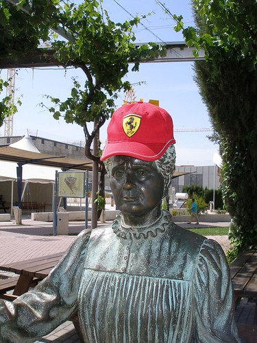 Marie Curie y Ferrari