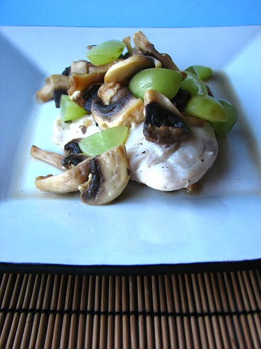 Vermouth-poached Tilapia with Mushrooms and White Grapes I