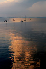 Lake Mendota Evening (Mingfong) Tags: light summer lake reflection water colors wisconsin painting evening sailing story madison sail albumcover summertime mendota stories lakemendota  universityofwisconsinmadison      mingfong paintinglight musicflyer mingfongjan artbrochure sketchoflight mingfongphotography