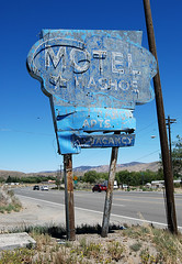 Motel Washoe - by Roadsidepictures