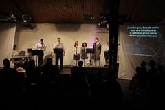 Paas-praise (De Deur Delft) Tags: church easter de delft kerk deur 2010 pasen kerkdienst evangeliegemeente