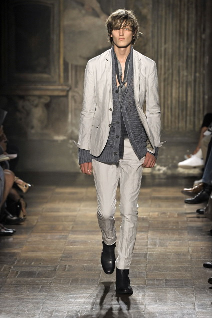 Demy Matzen3064_SS11_Milan_John Varvatos(first VIEW)