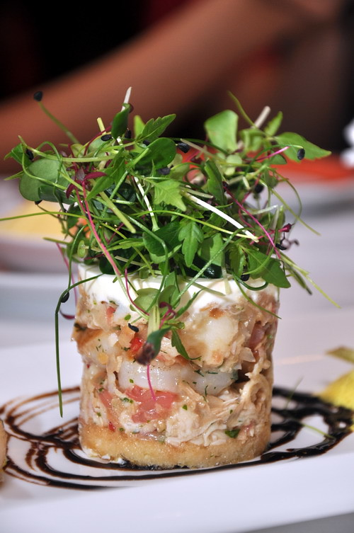 White and Red Pomelo with Mixed Shrimp