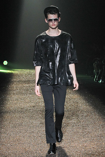 SS11_Tokyo_@IZREEL025_Matteo Haitzmann(Fashionsnap)