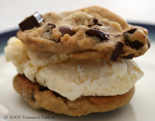 Diannes Dishes: Ice Cream Sandwiches
