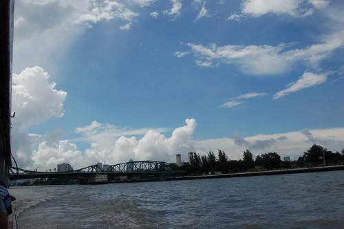 チャオプラヤー川から
