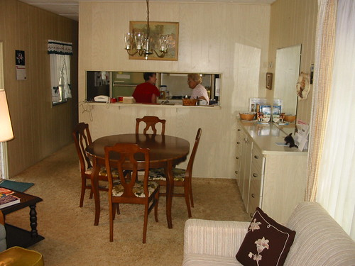 Dining Area - Furniture stays