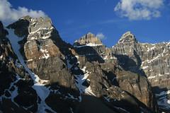 Ab07 425 (Tomkins Family Photos) Tags: mountain canada sunrise rockies alberta banff 2007 morainelake