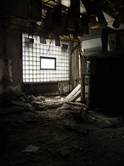 Derelict Light - by sigma.