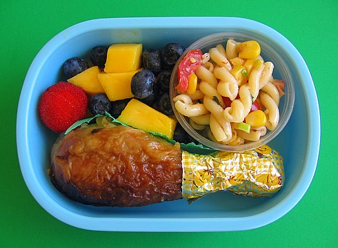 Chicken drumstick box lunches