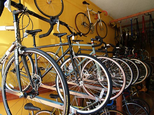 Refried Cycles bike shop (by 小帽(Hat))