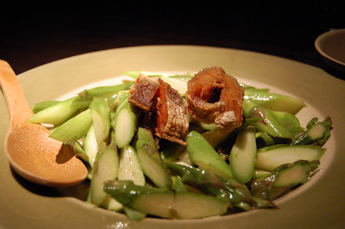 Asparagus with salted fish