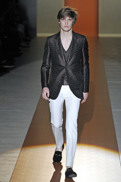 Axel Gillot3017_SS11_Milan_Gucci(first VIEW)