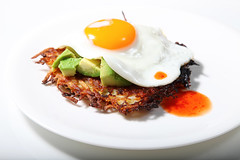 fried egg with avocado, hash browns & hot sauce (The 10 cent designer) Tags: avocado friedegg hotsauce hashbrowns gettyimages the10centdiet thankstoshutterbeanforthisamazingrecipe