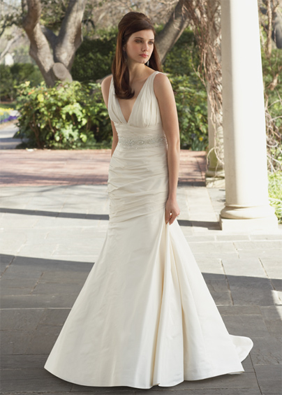 Modern Deep V-Neck Wedding Dresses Style Neckline
