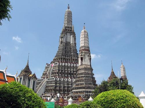 Wat Arun or Temple of Dawn วัดอรุณ