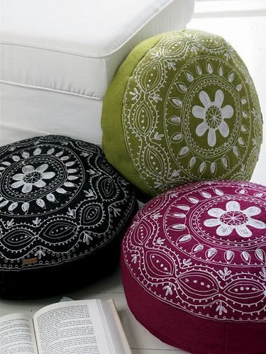Power Poufs! by decor8.