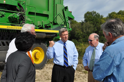 Left to right-- USDA Rural Development State Director Vernita Dore, USDA Farm Service Agency State Executive Director Laurie Lawson, Secretary of Agriculture Tom Vilsack,  Congressman John Spratt and Bennettsville farmer, Frank Rogers, III., Monday at the McColl Gin Company in Bennettsville, SC.