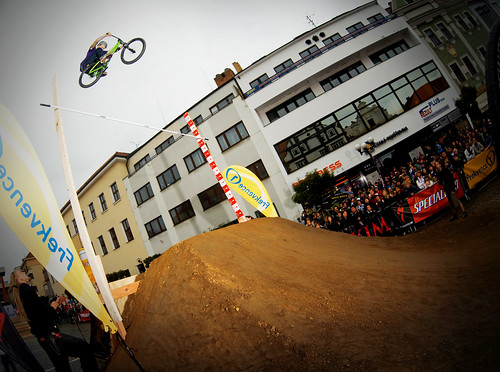 Dawid Godziek on 24player
