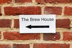 Brew House this way (Rob Huntley Photography - Ottawa, Ontario, Canada) Tags: sign bar pub tea brickwall tavern teahouse brewhouse huntley drinkingestablishment robhuntley robhuntleyphotography